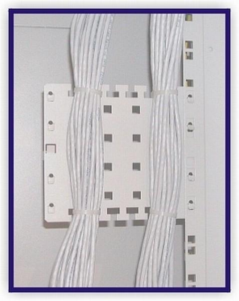 """Triton 19""""zbh. Kabelmanagement Panel, zum einhängen, Lichtgrau,"""